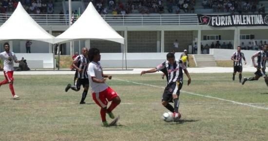 Botafogo-PB goleia o Auto Esporte na inauguração da nova Vila Olímpica