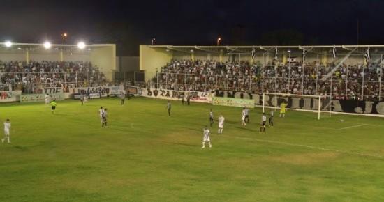 Botafogo-PB e Treze empatam em clássico tumultuado no estádio da Graça