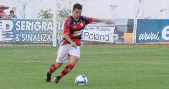 Treze contrata lateral que subiu com o Campinense em 2008