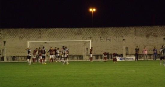 Em noite apagada, Botafogo-PB é goleado pelo Campinense no Almeidão