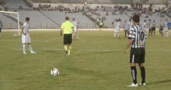 Com reservas, Treze vence o Botafogo-PB e conquista a liderança geral