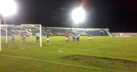 Campinense vence Atlético e garante vaga antecipada