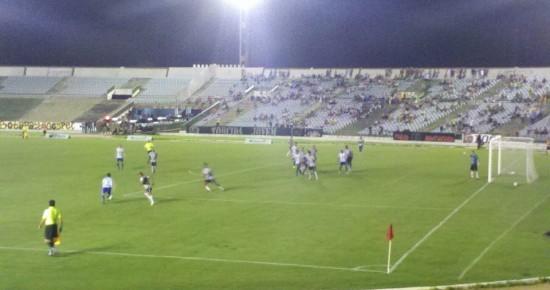 Botafogo-PB joga mal, mas vence o Atlético no Almeidão