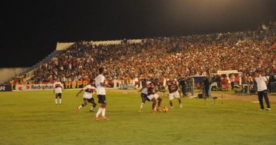 Campinense perde para o Flamengo por 2 a 1 no Amigão