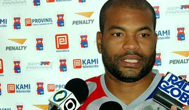 Botafogo-PB anuncia meia Lenilson, campeão brasileiro pelo São Paulo
