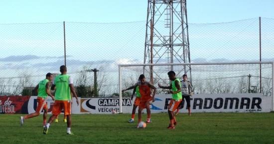 Campinense ganha quatro reforços antes de decisão contra o Auto Esporte