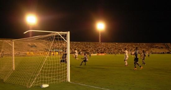Botafogo-PB e Treze empatam e seguem sem vencer no quadrangular final