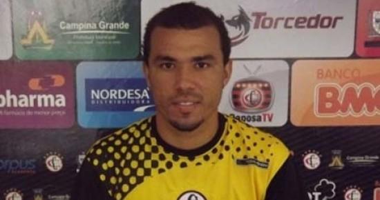 Campinense traz de volta zagueiro campeão paraibano em 2012