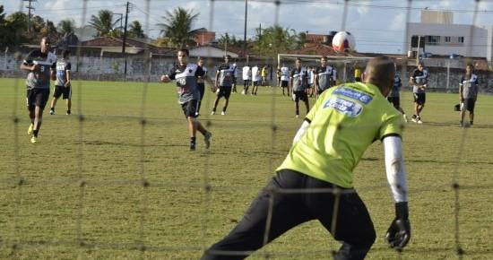 Com desfalques, Ramiro testa mudanças no Botafogo-PB para encarar o Icasa; Doda pode sair