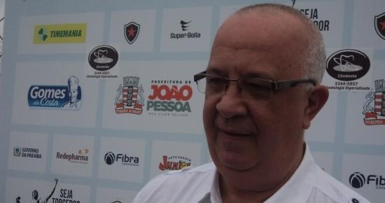Presidente do Botafogo-PB garante autonomia ao treinador na formação do elenco; Atacante pode renovar