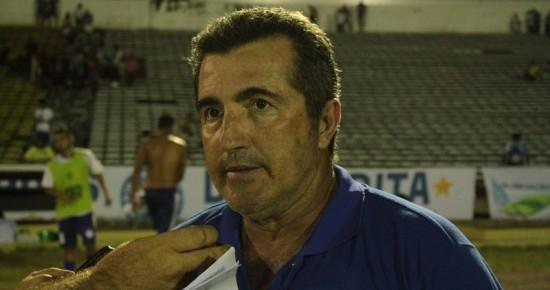 Campinense age rápido e anuncia substituto de Francisco Diá no comando da equipe