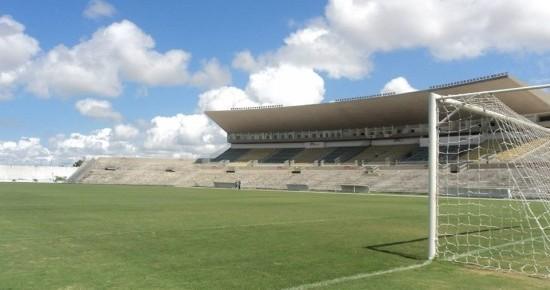 No Almeidão, Botafogo-PB recebe o América-RN para voltar a ser líder