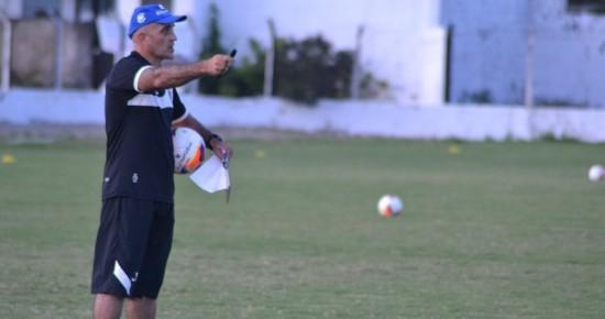 Schulle despista sobre substitutos de Plínio e Djavan no Botafogo-PB