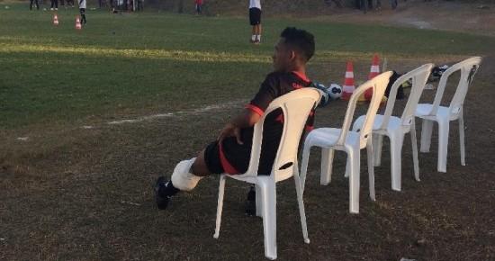 No primeiro treino com bola, atacante do Campinense se lesiona e passará por exames