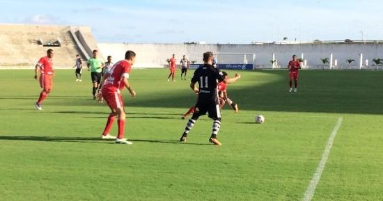 Em jogo fraco, Botafogo-PB e Internacional-PB empatam no Almeidão